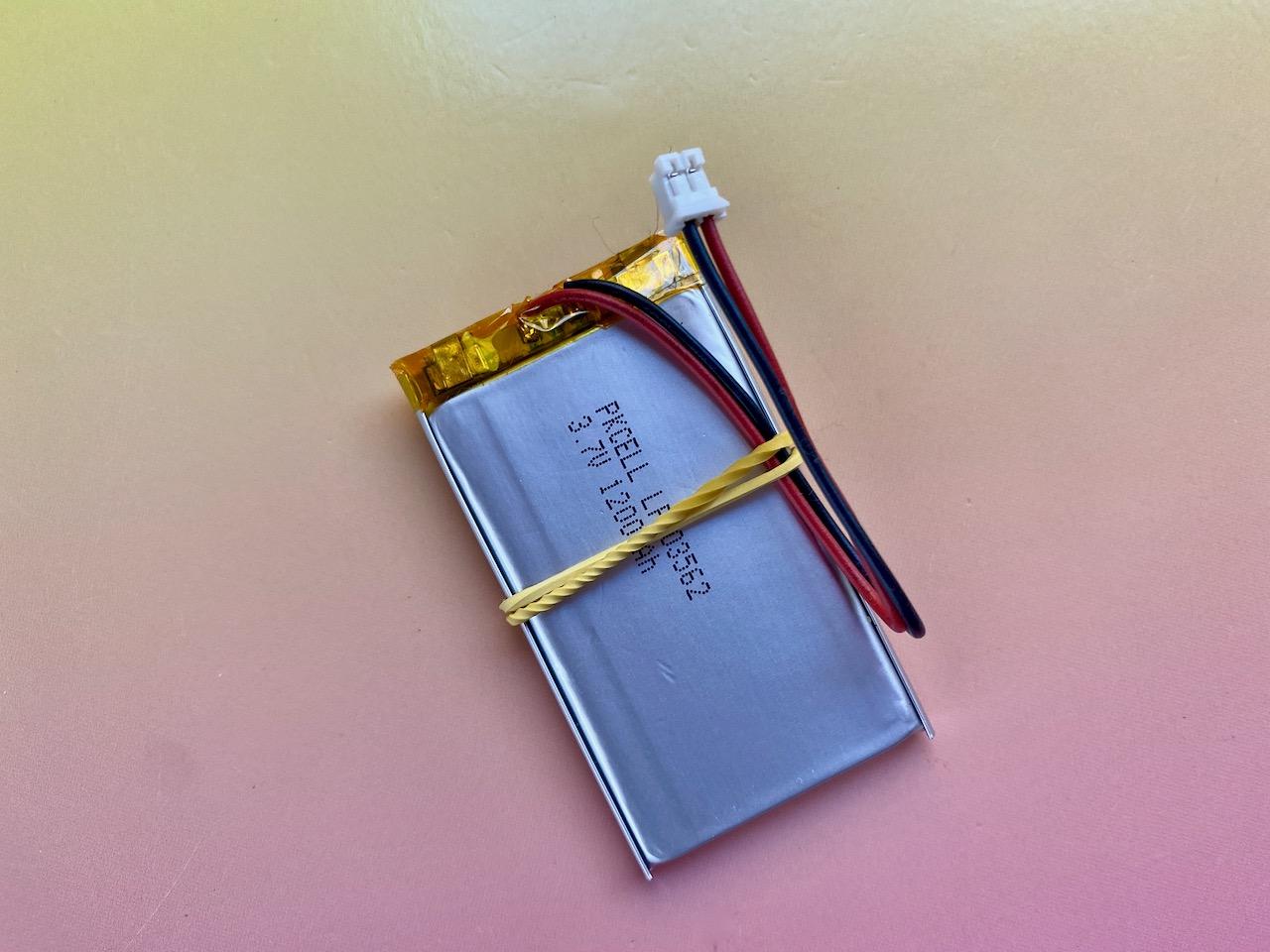 projects_10_battery_rubberband.jpeg