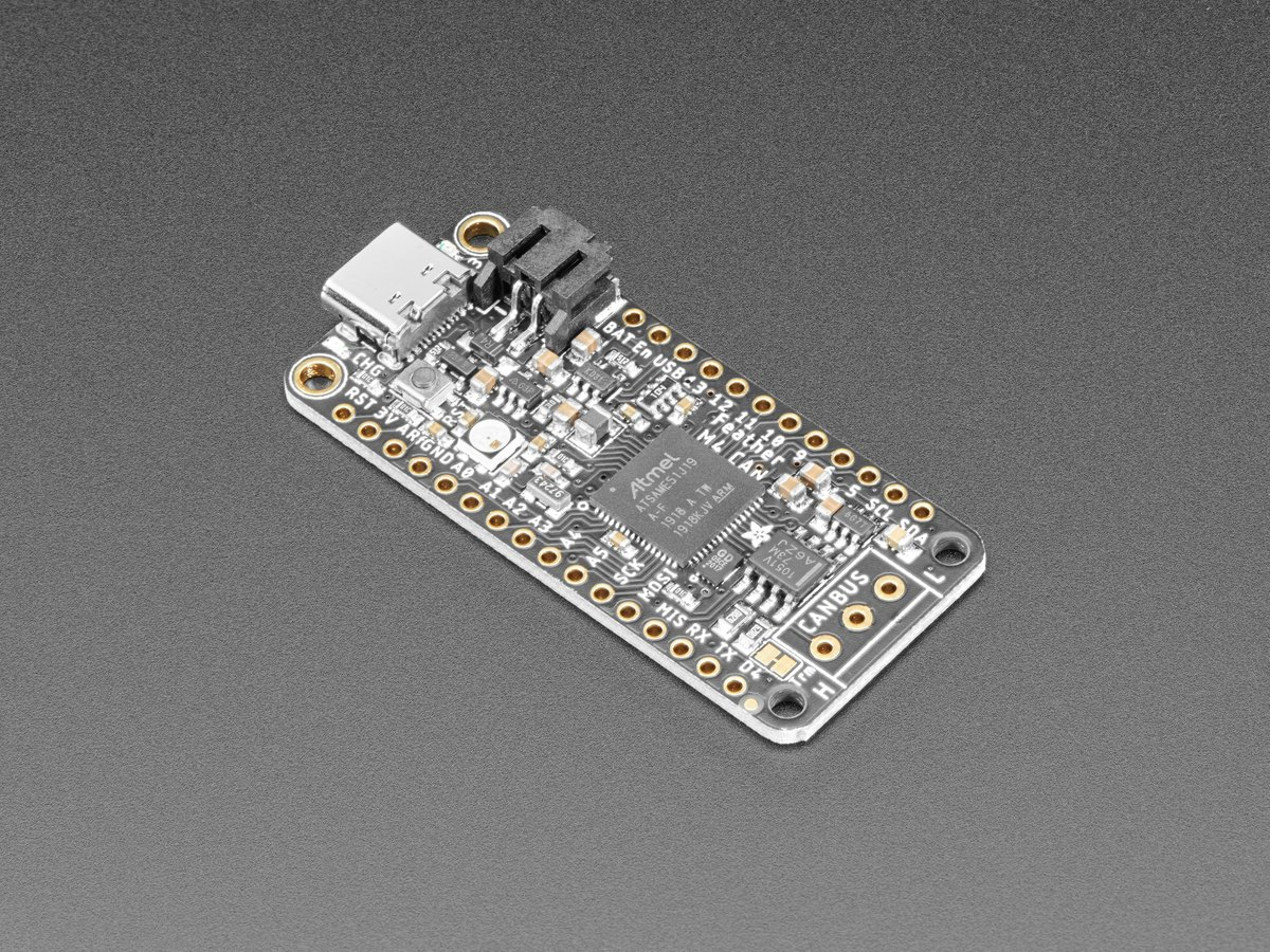 adafruit_products_FeatherCAN_top_angle.jpg