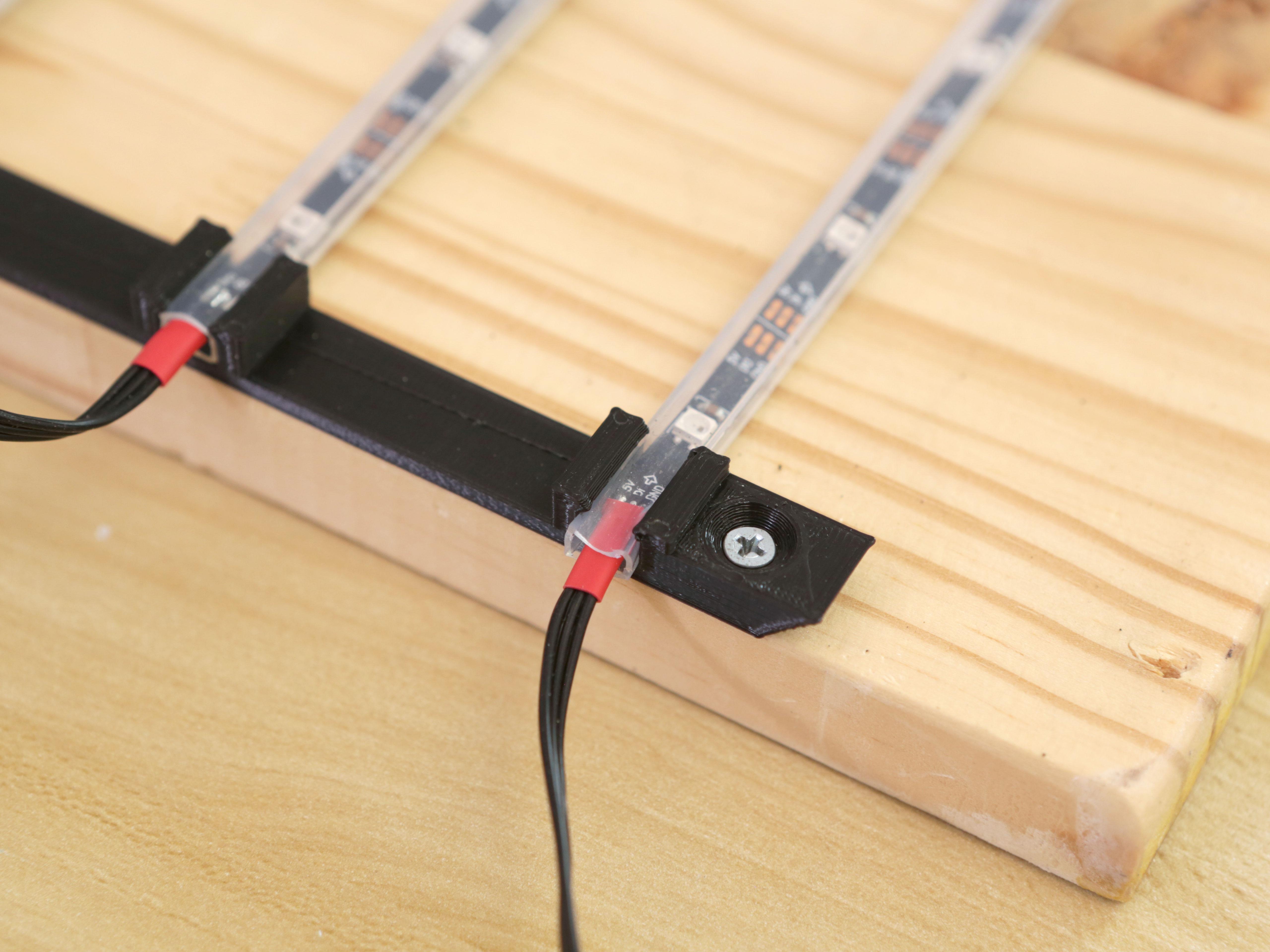 3d_printing_strips-holder-closeup.jpg