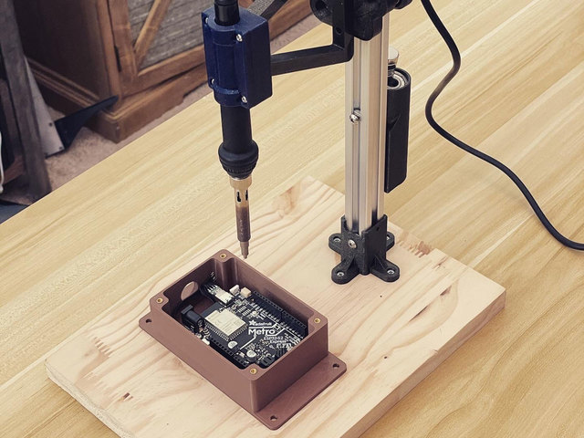 3d_printing_case-heatinserts-installing.jpg