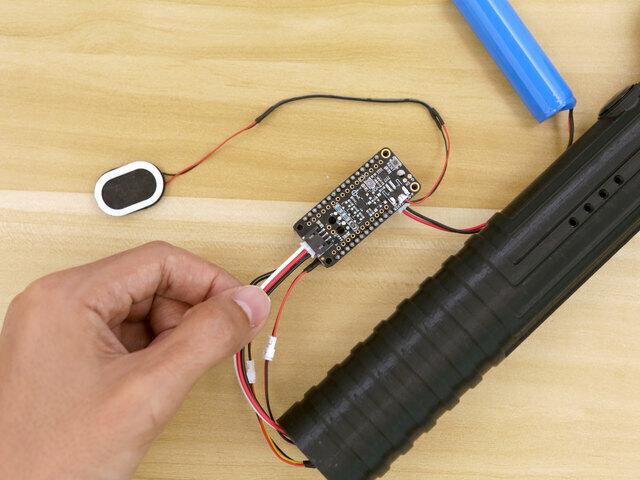 3d_printing_blade-hilt-connect-propmaker.jpg