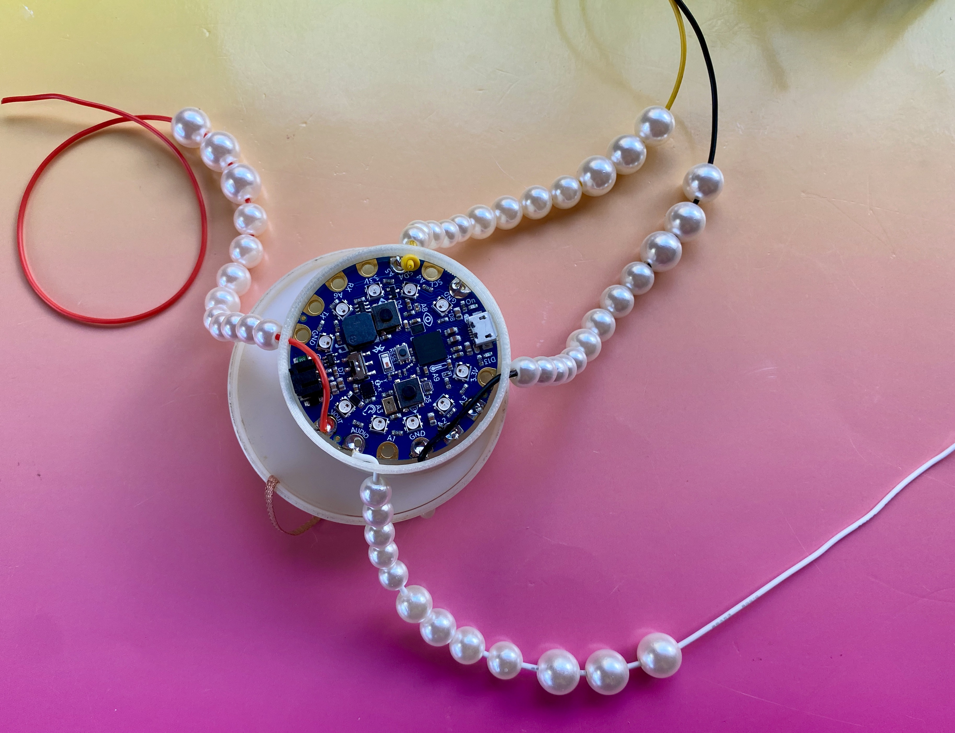 led_pixels_assembly2_pearls.jpeg