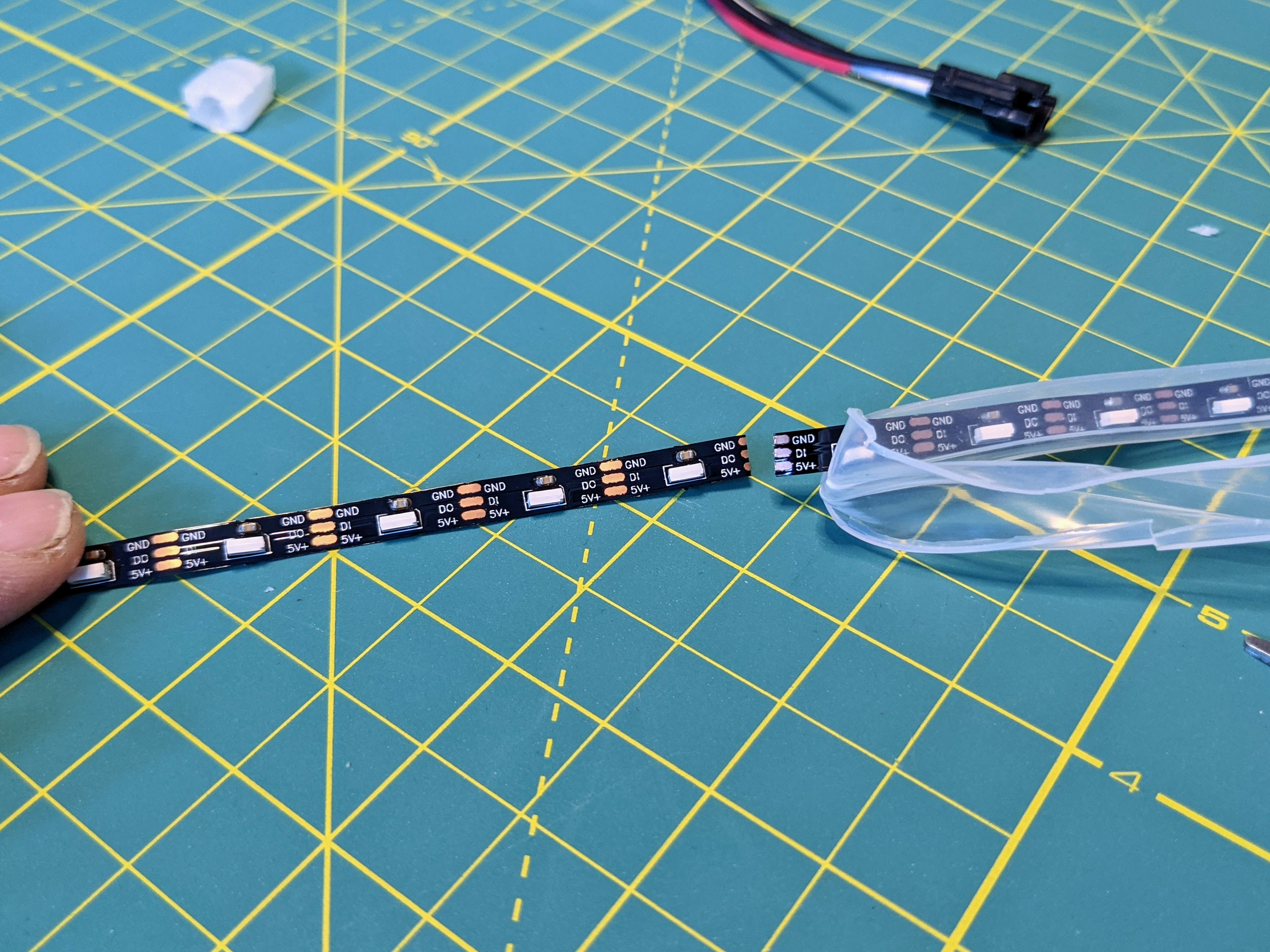 led_strips_PXL_20210109_233619428.jpg