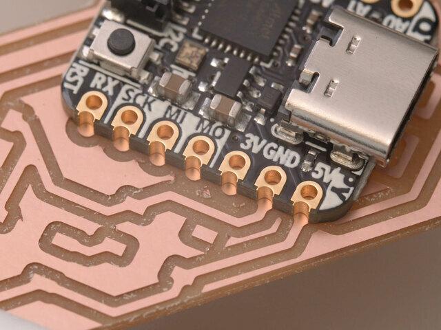 led_pixels_qtpy-pads-macro.jpg