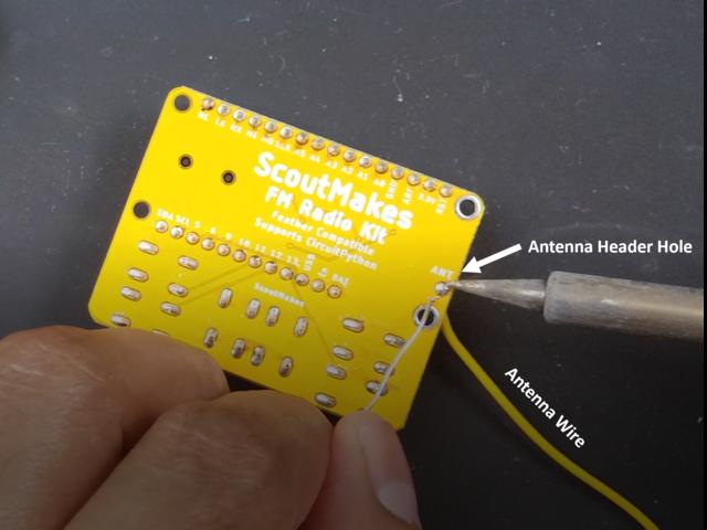 circuitpython_FM_board_solder_antenna_wire.png