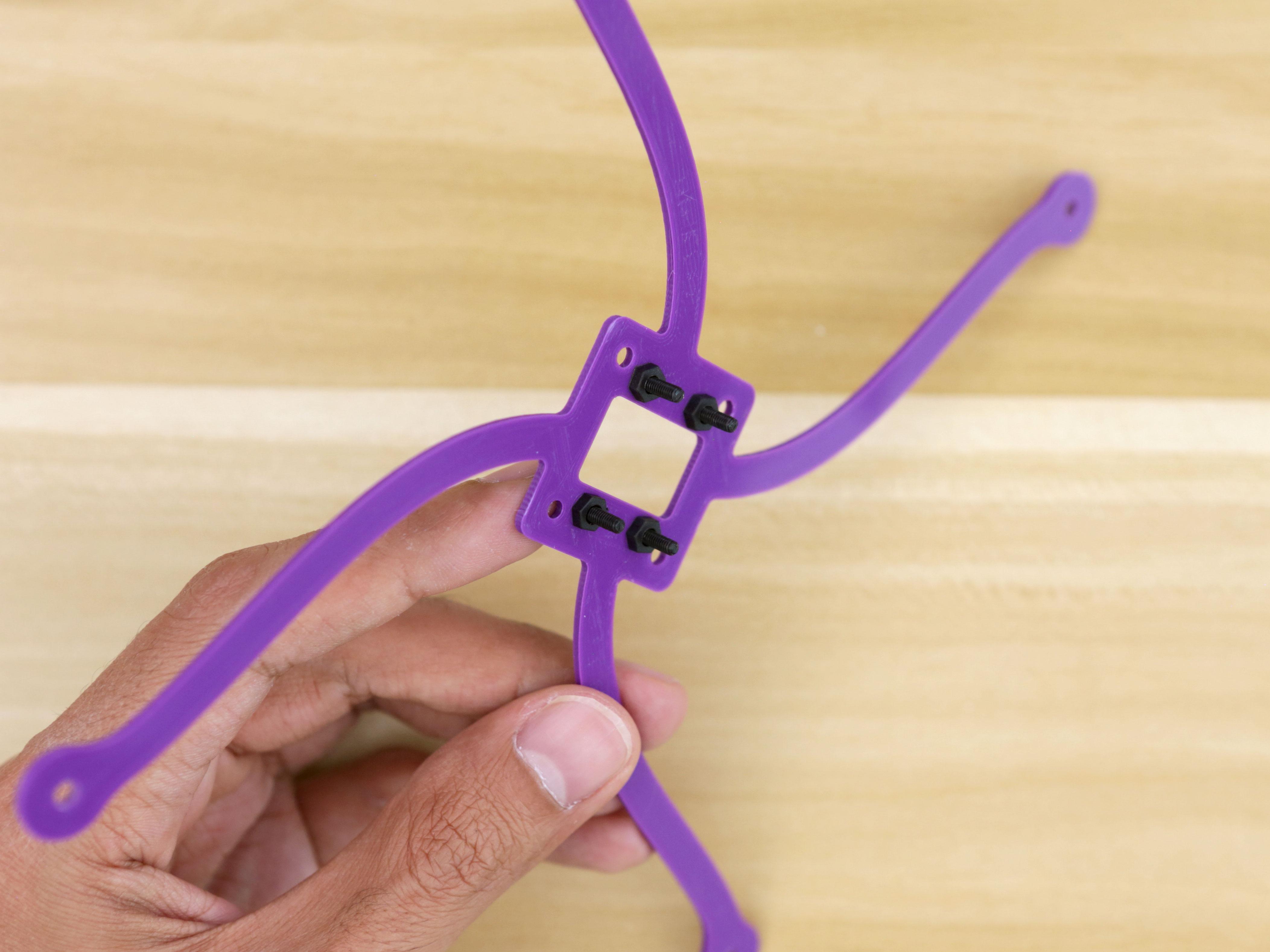 3d_printing_sensor-mount-screws-installing.jpg