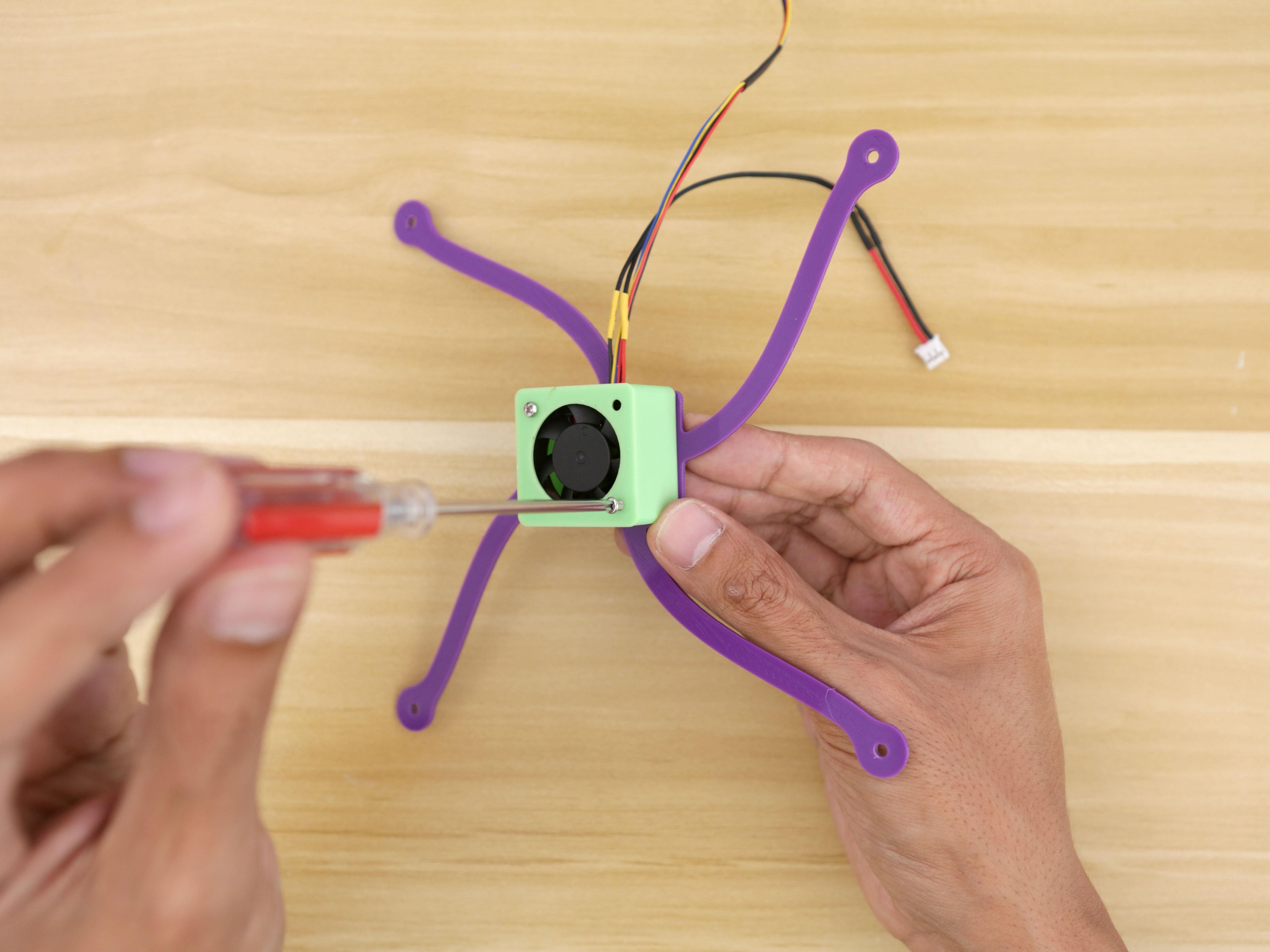 3d_printing_minifan-sensor-screwing.jpg