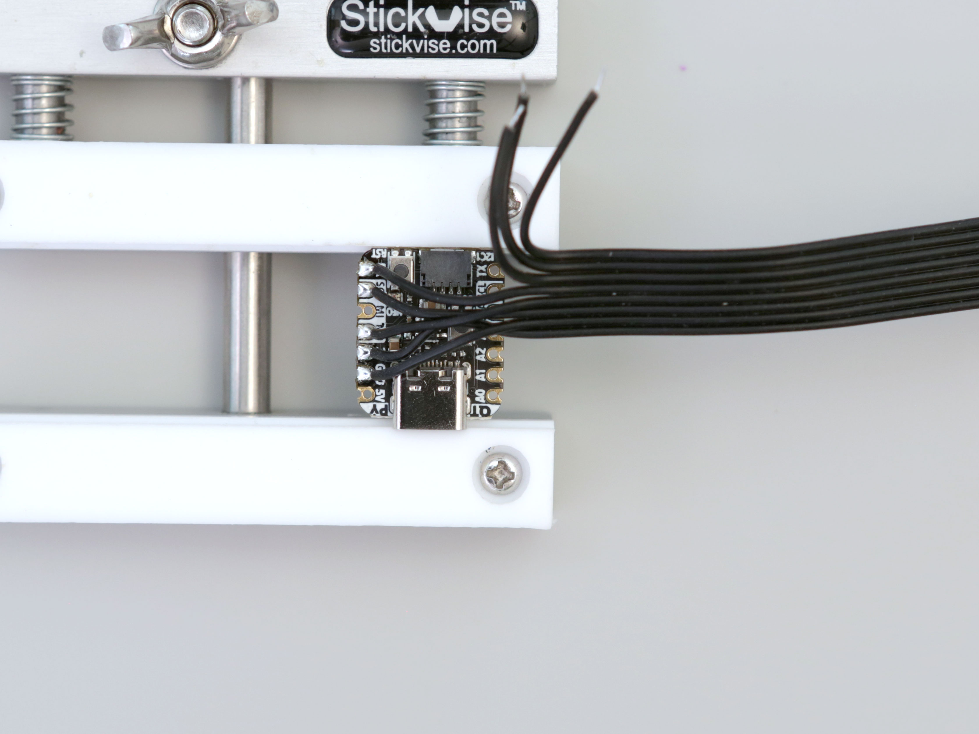 3d_printing_qtpy-tft-wiring-1.jpg