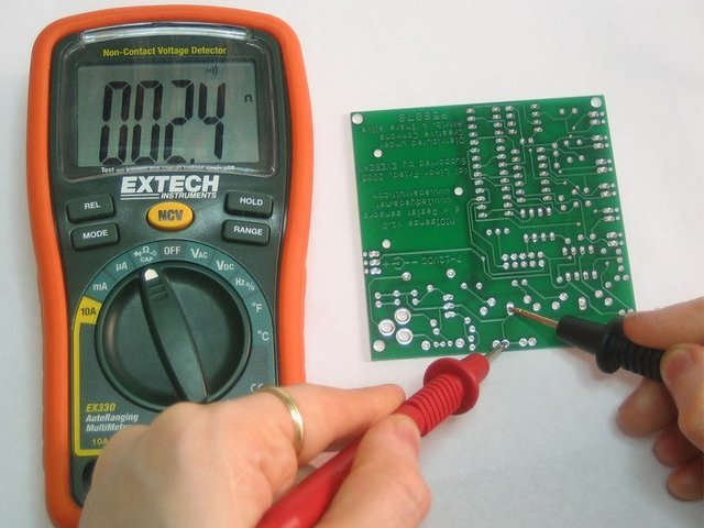 Ohmmeter Good Measurements And A High Low : Megger dlro eb digital low resistance ohmmeter ac and battery