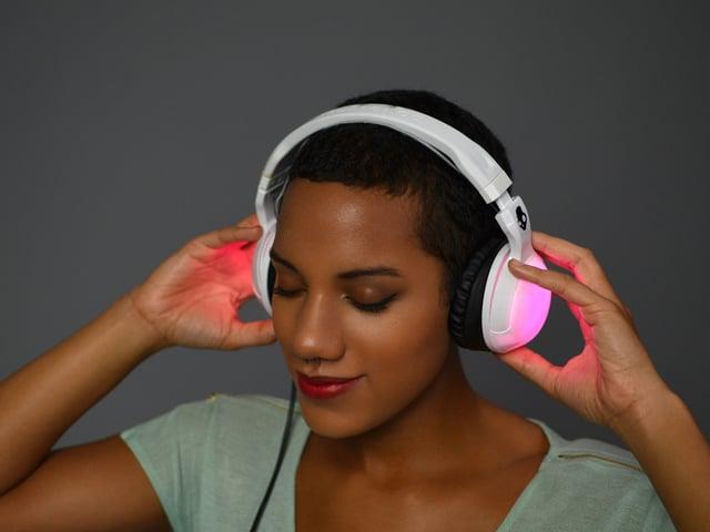 glowing skullcandy headphones mod