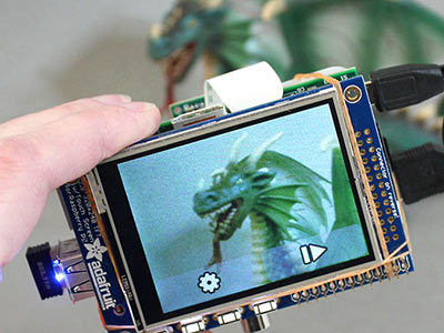 DIY WiFi Raspberry Pi Touchscreen Camera