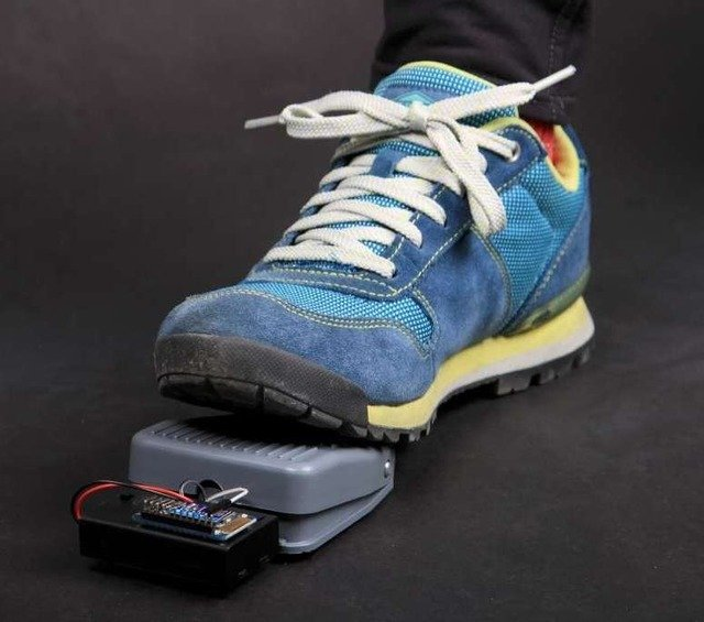 "Bluefruit ""BlueFoot"" Wireless Foot Switch"