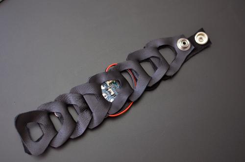 Buzzing Mindfulness Bracelet