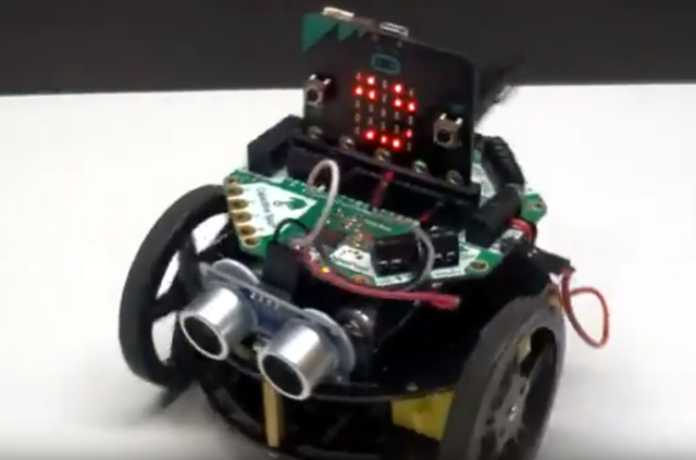 micro:bit Crickit Robot
