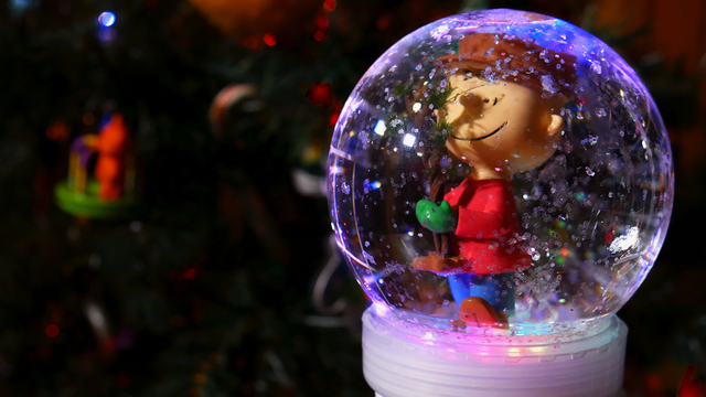Make a Snow Globe with Circuit Playground Express & MakeCode