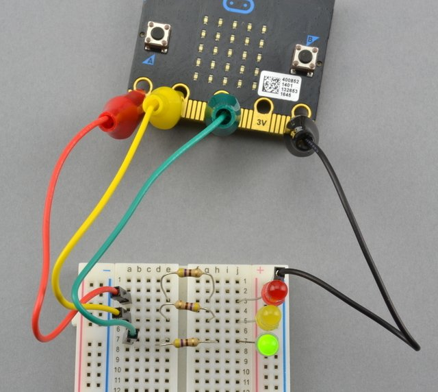 micro:bit Lesson 2. Controlling LEDs on Breadboard