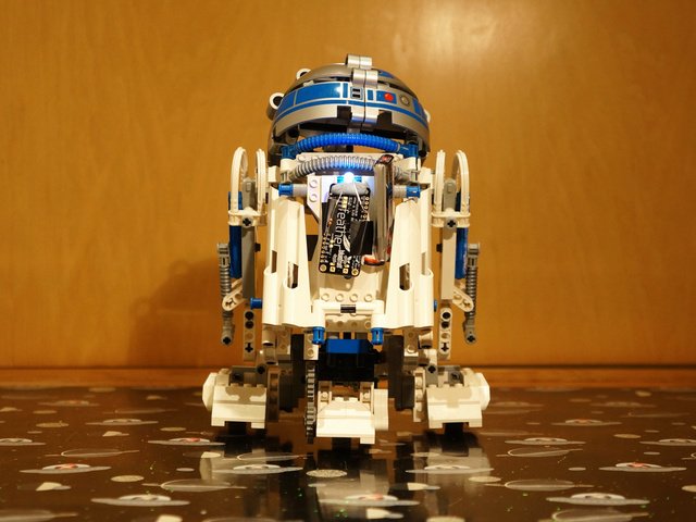 Bluetooth Remote Control for the Lego Droid Developer Kit