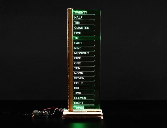 Simple Vertical Wordclock